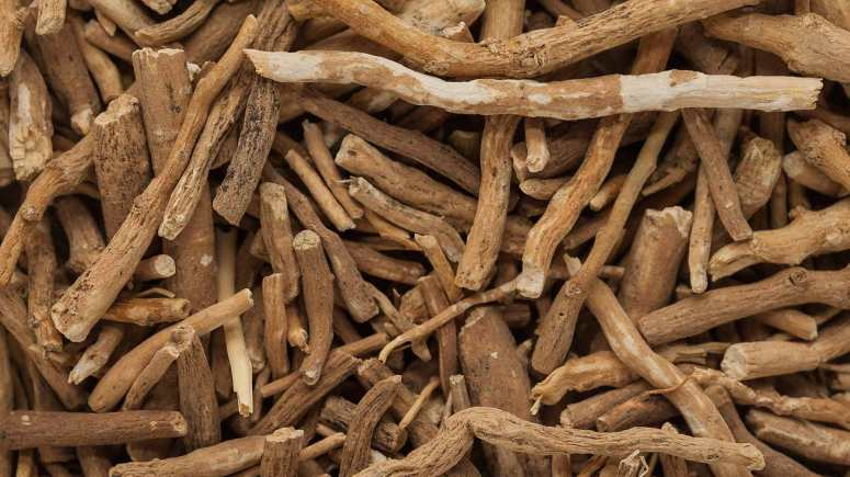 ashwagandha-root-herb-hormone-imbalance-menopause-menses-periods-pms-balance-natural-remedies